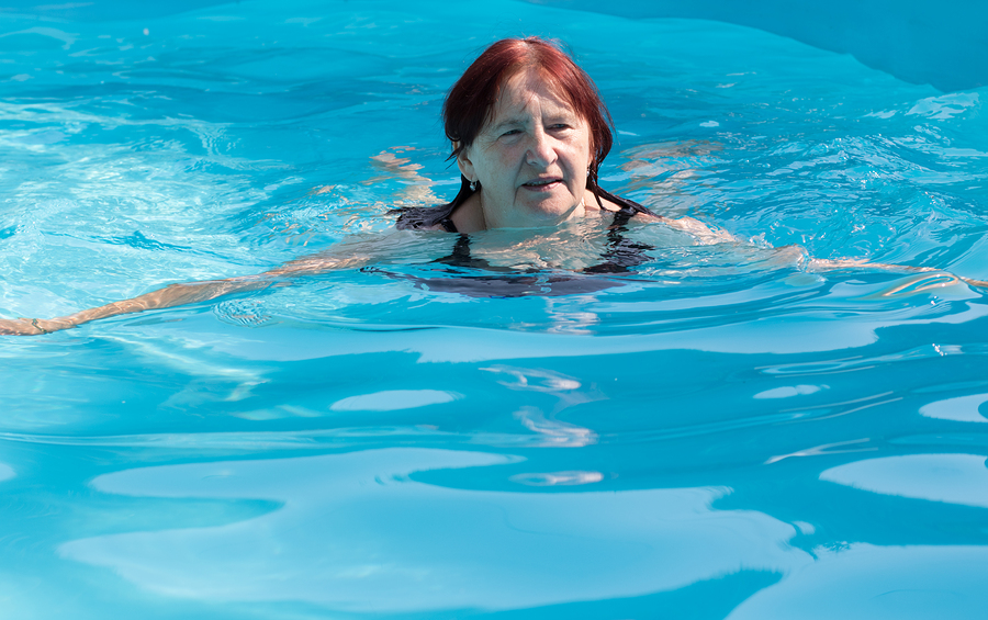 AZ Pool Builders Encourage Swimming For Seniors