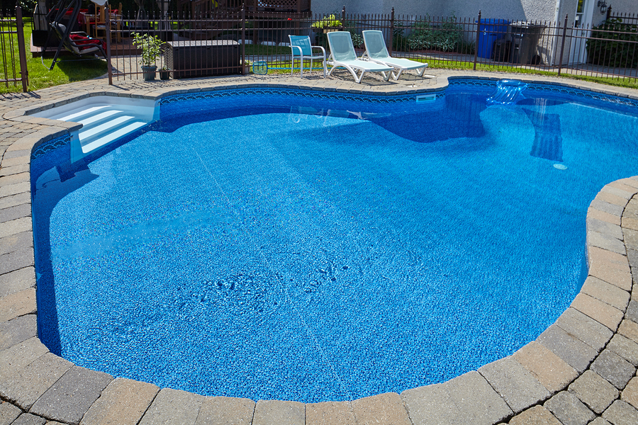 deciding-between-a-custom-or-pre-designed-pool